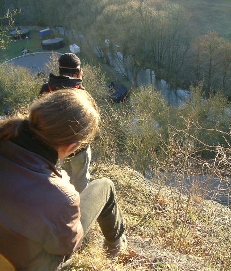 Winterlager vom Berg aus mit unserer Jurte neben Peters Kopf